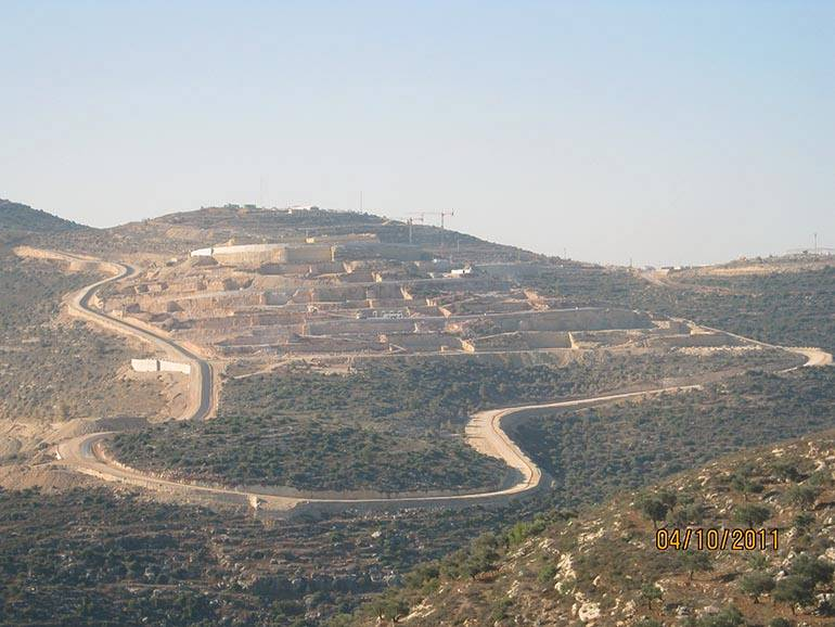The new city of Rawabi - Road construction